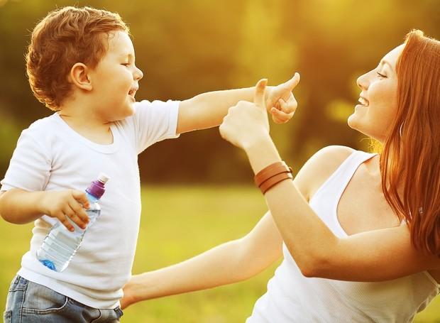 como estimular o bebe a falar